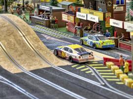1 Std. Modellrennbahn inkl. Fahrzeug mieten Hamburg