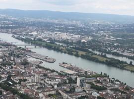 35 Min. Flugzeug Rundflug Frankfurt für drei Personen