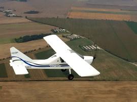 60 Min. Flugzeug selber fliegen Taucha