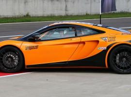 8 Rd. McLaren MP4-12C selber fahren auf dem Eurospeedway Lausitz