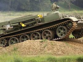 BMP1 Schützenpanzer fahren in Kuchelmiss, Raum Rostock