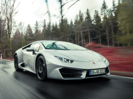 8 Std. Lamborghini Huracan mieten in Darmstadt-Stadtmitte