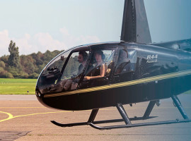 60 Min. Hubschrauber Rundflug über Düsseldorf ab Essen/Mülheim für drei Personen
