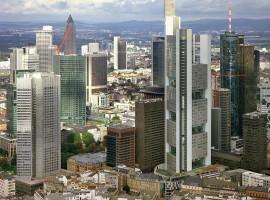 30 Min. Hubschrauber Rundflug über Burgen & Schlösser ab Frankfurt-Egelsbach