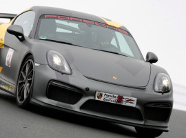 4 Runden Renntaxi Porsche Cayman GT4 in Groß Dölln
