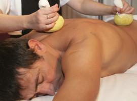 Kräuterstempel-Massage in Leverkusen, NRW