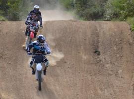 Motocross fahren in Regen, Raum Deggendorf in Bayern