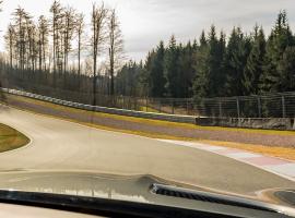 4 Runden Renntaxi Porsche GT4 auf dem Bilster Berg
