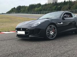 4 Runden Jaguar F-Type S selber fahren auf der Motorsport Arena in Oschersleben