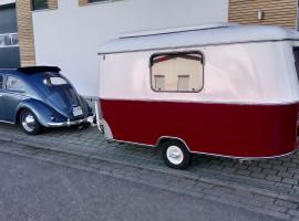 Wochenende Vintage-Wohnwagen Gespann mit VW Käfer mieten in Sexau
