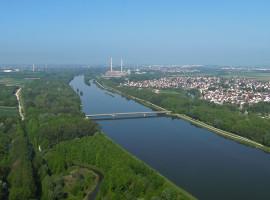 30 Min. Heli selber fliegen ab Flugplatz Speyer-Ludwigshafen