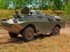 SPW 40 Radpanzer fahren in Mahlwinkel, Raum Magdeburg