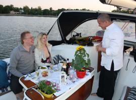 Sunset-Dinner (4-Gang) auf einer Yacht in Stralsund