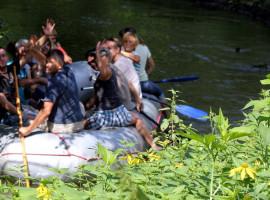 Schlauchboot Tour auf der Spree Tzschelln