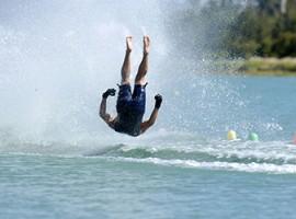 Barfuß Wasserski fahren